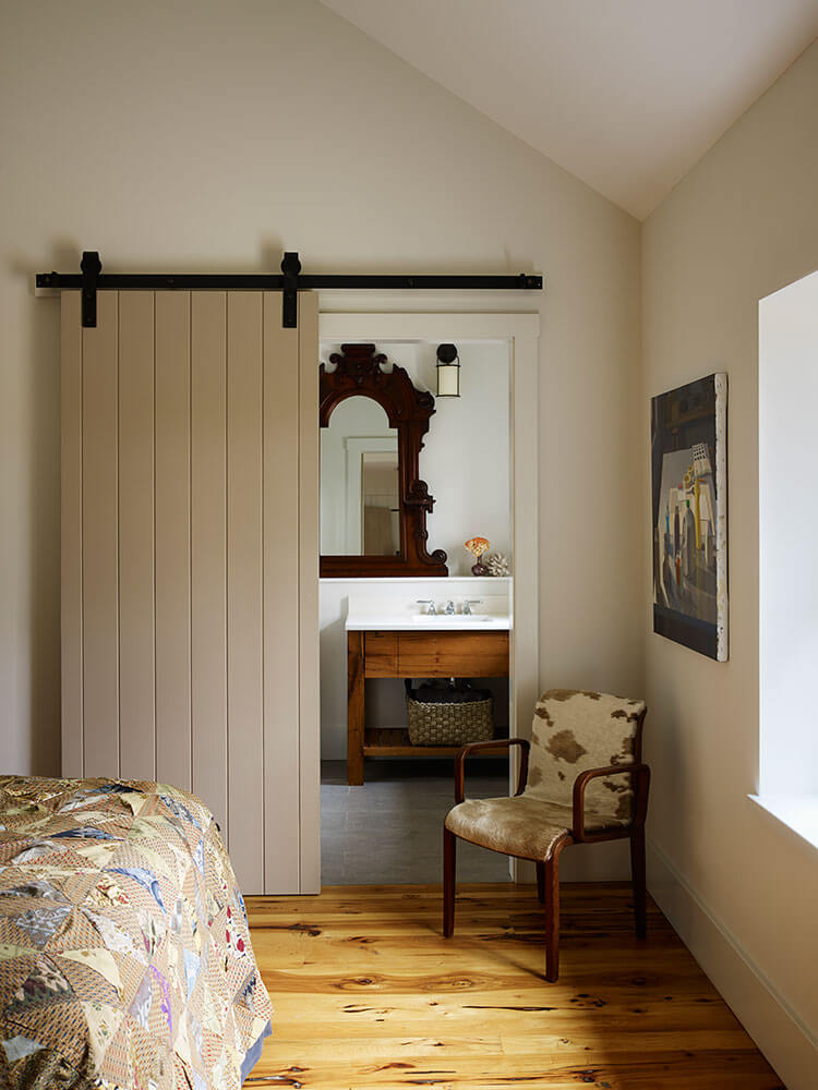 Interior-Guest-Bed